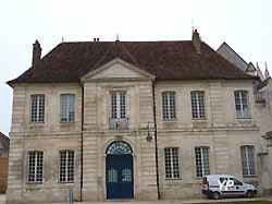 évêché d'Auxerre (doc. Yalta Production)