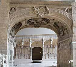 Arche de la Porte du Gros Horloge à Rouen (76)