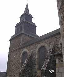église Saint-Pierre de Pleslin