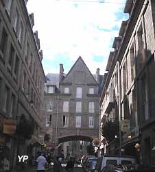 rue de Saint-Malo (doc. Yalta Production)