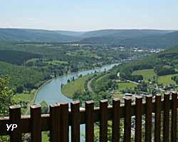 Haybes, la roche de Fépin (doc. Office de Tourisme de Val d'Ardenne)