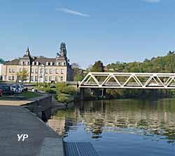 Château des comtes de Bryas (doc. Office de Tourisme de Val d'Ardenne)