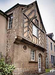 Bazouges-la-Pérouse - maison en colombage