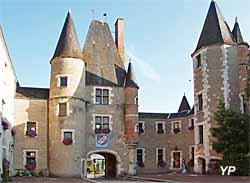 Château des Stuarts - mémorial de l'Auld Alliance - musée Marguerite Audoux