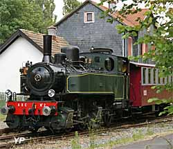 Train Thur Doller Alsace - le train avec la locomotive Mallet en gare de Sentheim