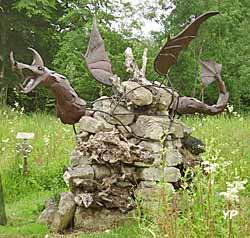 Château Phenix de Dampierre - Le Dragon de F. Lavrat - écopiste de Merlin