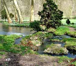 Parc et jardins du château d'Acquigny - chemin de Orches