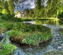 Parc et jardins du château d'Acquigny - chemin de roches