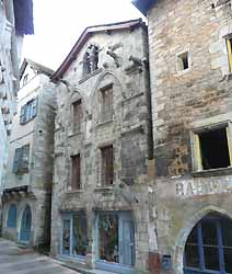 Maison aux loups à Caylus (XIVe s.) (doc. OT Caylus)
