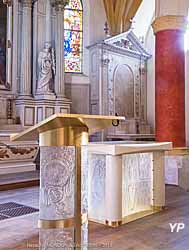 Mobilier liturgique de l'église Notre-Dame de l'Assomption de Stains (93)