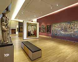 Musée des beaux-arts de Dijon - salle néogothique tapisserie du siège de Dijon
