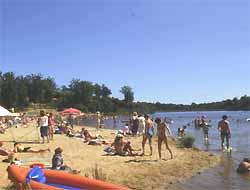 plage de la base de loisirs de Rouffiac