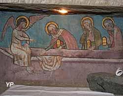 Eglise Notre-Dame de l'Assomption - les trois  Marie arrivant  au  tombeau  vide, fresque dans  l'armoire  eucharistique