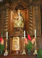Eglise Notre-Dame de l'Assomption - maître autel (XVIIe s) avec  vierge à l'enfant (XVe s)