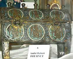 Église Sainte-Croix - reliquaire du XIIIe siècle en émail champlevé de saint André Hubert Fournet