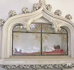 Chapelle d'Arliquet - gisant de saint Honorat