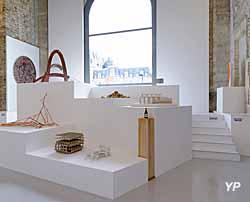 La Maréchalerie - Centre d'Art Contemporain - exposition collective A posteriori − 10 ans d'art à La Maréchalerie, 2014