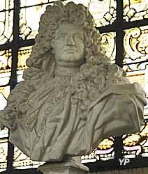 Église Notre-Dame - buste de Jules Hardouin-Mansart (moulage d'un buste de Jean-Louis Lemoyne)