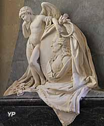 Église Notre-Dame - cénotaphe du comte de Vergennes, ministre des Affaires étrangères de Louis XVI, signataire en 1783 du traité d'Indépendance des États Unis d'Amérique, marbre (Barthélemy Blaise, 1788)