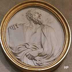 Église Notre-Dame - saint Pierre tient le livre des Écritures et les clés du Royaume, marbre (Pierre Le Gros, 1666)