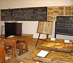Musée Départemental du Revermont - école