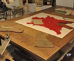 Musée du chanvre et de la ganterie - table de coupeur