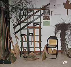 Ecomusée de la Vallée de l'Aigre - exposition Auprès de mon arbre (Ecomusée de la Vallée de l'Aigre)