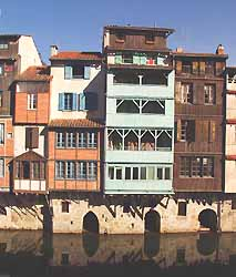 maisons sur l'Agout à Castres (doc. i.voir - Paul Patalano)