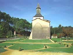 Clocher Porche de Mimizan (patrimoine mondial de l'humanité)