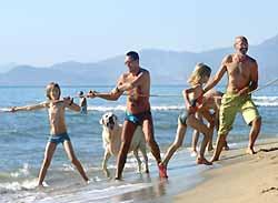 pêche à la traine sur la plage du Canet-en-Roussillon (doc. OT Canet-en-Roussillon)