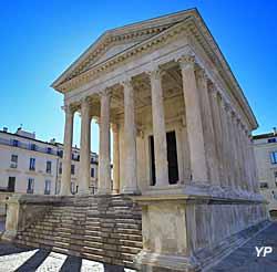 Maison Carrée à Nîmes (V. Formica)