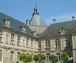 Château de Sully - vue sur cour