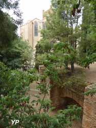 Bastion saint jacques et jardin de la miranda perpignan - Jardin en pente photos perpignan ...