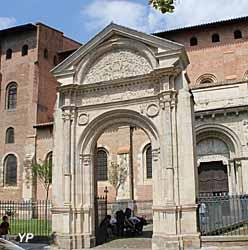 Basilique Saint-Sernin - avant-porte de la Renaissance