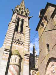 Notre Dame et église romane à La Ferté-Macé (OT La Ferté-Macé)