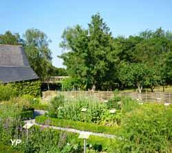 Site de l'abbatiale - jardin des simples