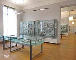 Musée de l'hôtel Sandelin - grands salons de céramiques