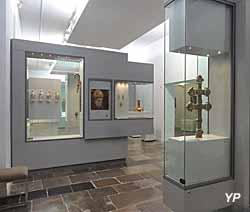 Musée de l'hôtel Sandelin - salle d'art religieux
