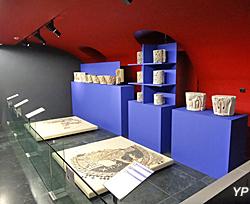 Musée de l'hôtel Sandelin - salle consacrée à l'Abbaye Saint-Bertin
