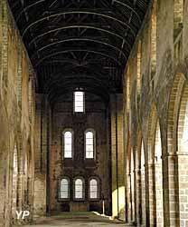 Abbaye Cistercienne de Clairmont - nef de l'église