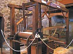 Maison de l'Araire - expo tissage velours (Maison de l'Araire)