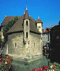 palais de l'Isle et le Thiou à Annecy (Annecy Tourisme)