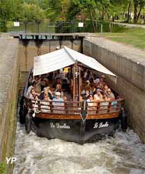 Moulin et gabare du Duellas