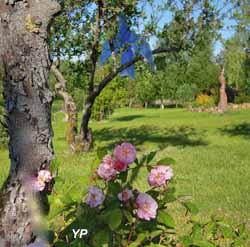 Maison d'Art Bourgogne du Sud et Jardin de Sculptures - jardin