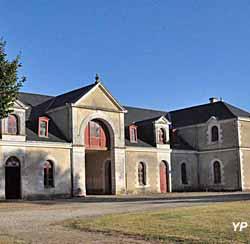 Château de Panloy - les écuries
