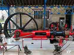 Expotec 103 - machine à vapeur Dujardin
