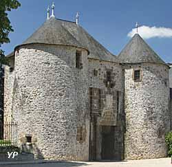 Porte du Château (Office de Tourisme des Alpes Mancelles)