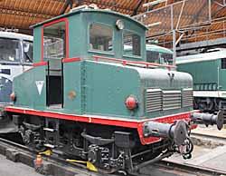 Rotonde ferroviaire - locotracteur boîte à sel