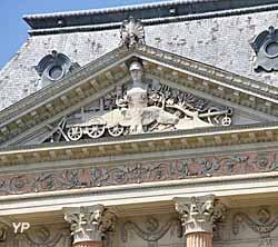 Château des Ducs de Savoie - fronton sud du pavillon central