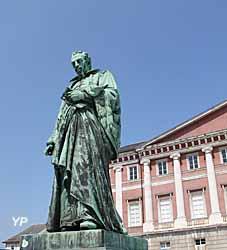 Visite de Chambéry - statue d'Antoine Favre (Charles Guméry, 1865)